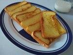 french toast a la saya asin saja karena memilih susu bubuk tanpa gula.
