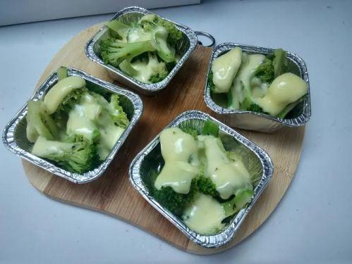 brokoli mozzarela kukus. nikmat tak terkira.